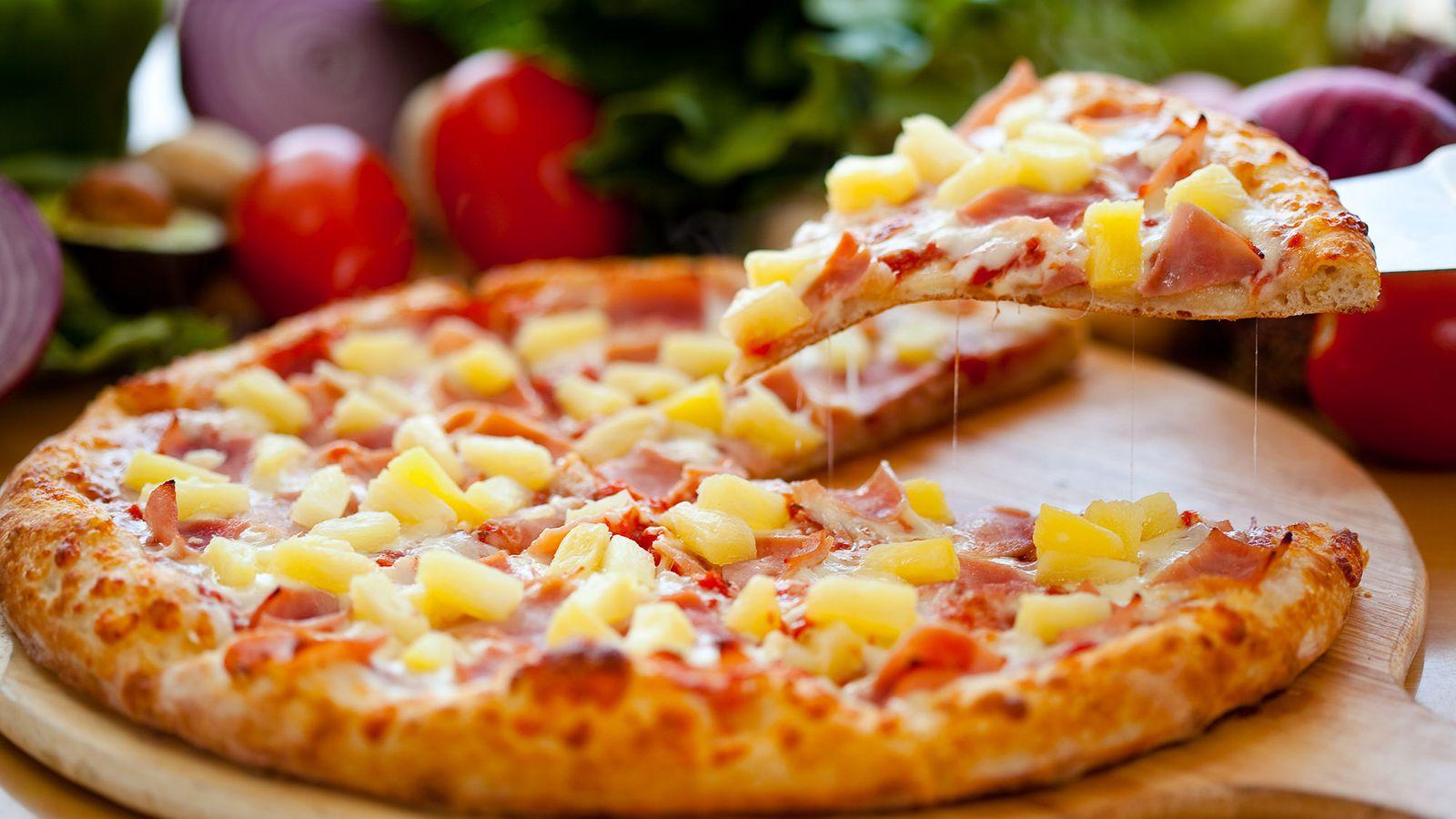 Hawaiian pizza and blogging weekly